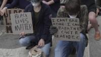 Activistas en Chicago buscan mantener pacíficas las protestas
