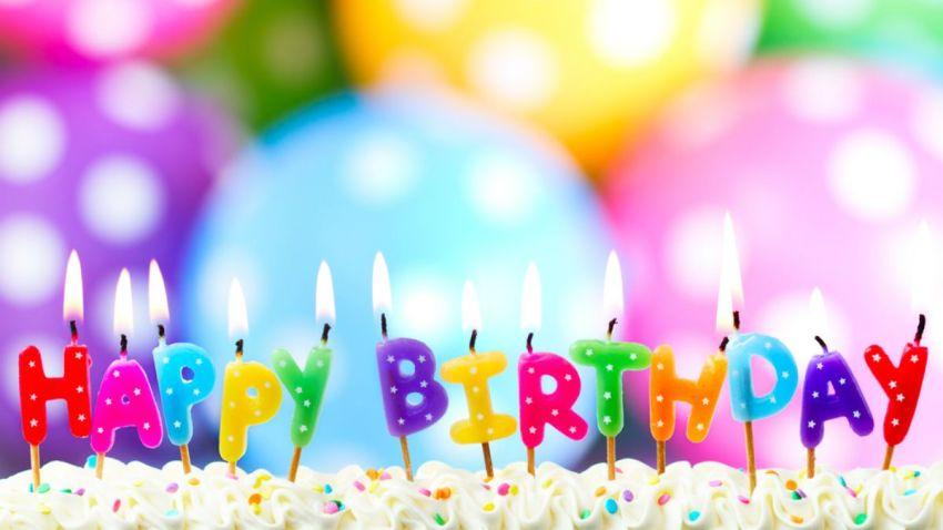 TLMD-generica-happy-birthday-velas-pastel-cumpleanos-shutterstock_150779738