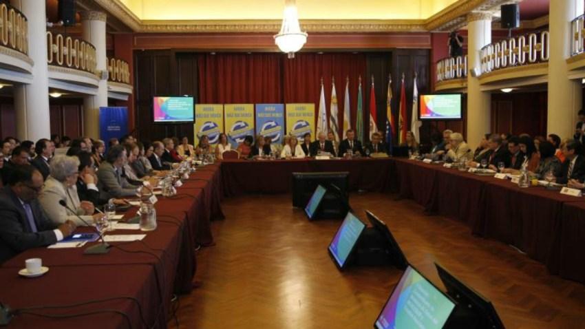 TLMD-uruguay-ministros-latinoamerica-zika-EFE-11459362w
