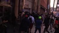 Estallan violentos enfrentamientos entre manifestantes y policías en Chicago