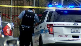 chicago police shooting violence 0827