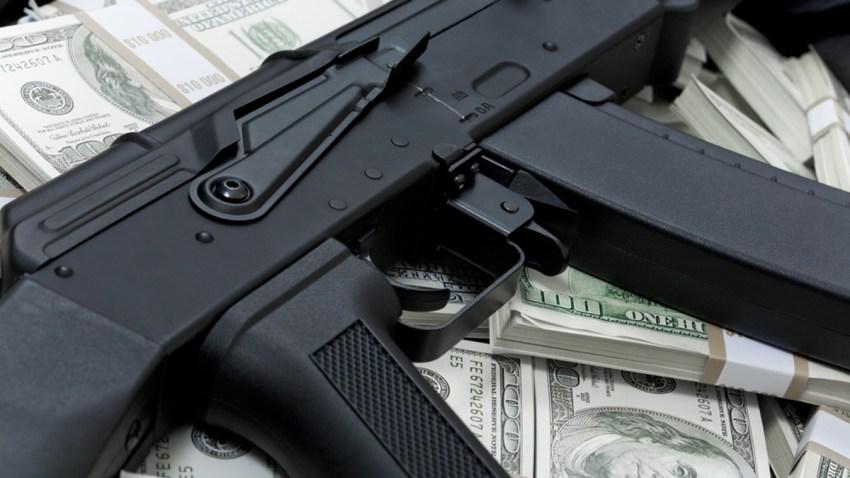 dinero-armas