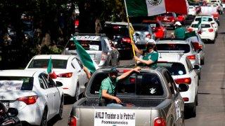 Caravana de oposición a AMLO