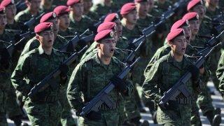 Desfile de fuerzas armadas mexicanas