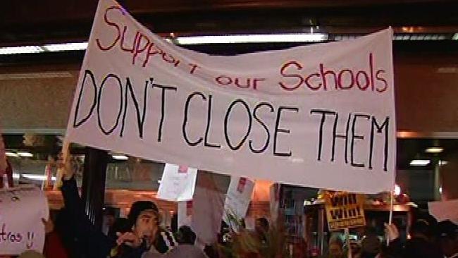tlmd_schoolprotest1jpg_bim