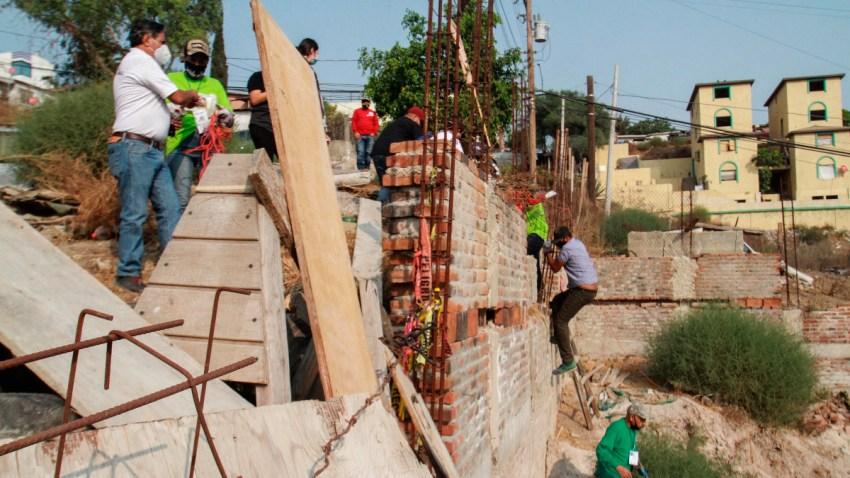 Personas buscan a desaparecidos en Tijuana