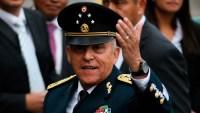 Niegan fianza al exministro Cienfuegos acusado de trabajar para cártel de los Beltrán Leyva