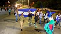 Caravana de migrantes sale de Honduras a pesar de advertencias de México y EEUU