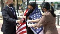 Hondureña que llegó a EE. UU. como menor no acompañada celebra el obtener tarjeta de residencia