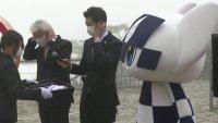 Tokio marca 100 días para el inicio de los Juegos con inauguración de estatua de los anillos olímpicos