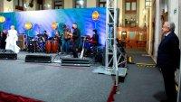 Lágrimas y música en un atípico Día de las Madres en México