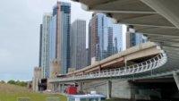 Navy Pier: inauguran paso elevado para peatones, bicicletas y corredores