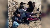 Abandonan a cinco niñas migrantes en un rancho en la frontera de Texas