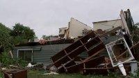 Tornado causa destrozos en el suburbio de Woodridge a unas 20 millas de Chicago