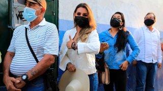 Imagen de la candidata de Morena al gobierno de Guerrero, quien habría ganado