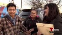 En Chicago, una madre se reunió con su hijo después de cuatro años de no verlo. El menor cruzó solo la frontera, según...
