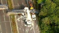 El accidente ocurrió en una de las carreteras más transitadas del sureste de Inglaterra en plenas vacaciones