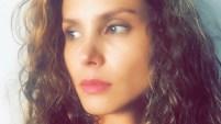 La actriz colombiana Carolina Sepúlveda habla de su personaje en la serie de Telemundo, y explica cómo ha cambiado la visión de los implantes de seno en...