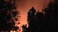 Mueren en feroz incendio 2 niñas, un bebé y un hombre al sur de Chicago.