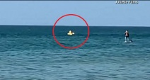 Un descuido de una madre casi se convierte en una tragedia en un día de playa.