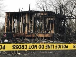 Una familia de seis muere tras incendio en un hogar