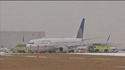 Se desliza avión de United Airlines en pista de O'Hare