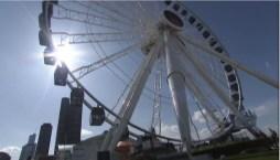Chicago inaugura una moderna y gigante rueda de la fortuna