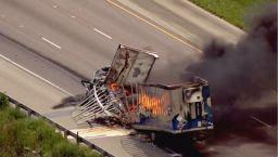 Masivo incendio y choque paralizó el I-55