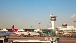 Muertos y heridos en ataque a aeropuerto turco
