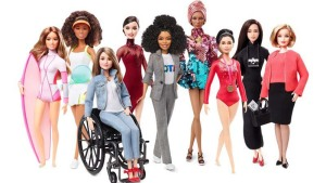 """""""Barbie"""" se reinventa en su cumpleaños 60"""