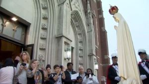 Honran a la Virgen de Fatima en Naperville