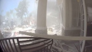 Explosión de gas en casa de California deja trabajador muerto y 15 heridos