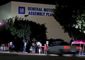 GM y trabajadores llegan a acuerdo, podría terminar la huelga
