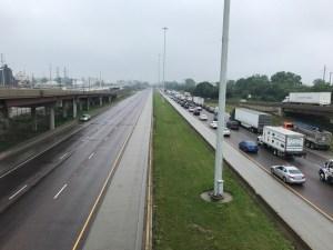 Mortal balacera en autopista Stevenson causa cierres