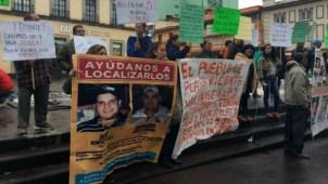 Forenses argentinos apoyan a padres en Veracruz