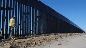 AMLO y Trump discrepan sobre el muro fronterizo