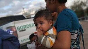 Bloquean permiso de cuido infantil a centro de detención