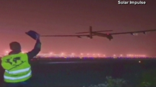 El avión Solar Impulse despega en China