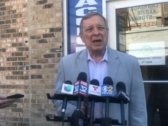 Senador Durbin repudia inicio de redadas masivas de ICE