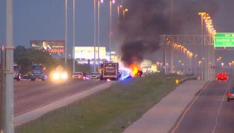 Volcadura y explosión en la I-55 deja muerto a un camionero