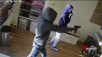 Buscan a menores que asaltaron salones de uñas