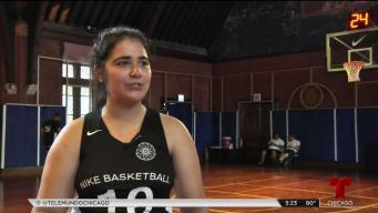 Campamento de baloncesto inspira a jóvenes de Chicago