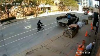Buscan a ciclista que baleó a una mujer cerca del Loop