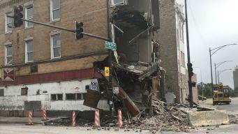 Derrumbe de edificio deja un herido en Lawndale