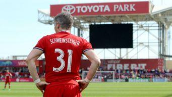 Bastian Schweinsteiger se retira del fútbol