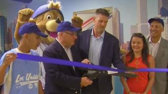 Los Chicago Cubs remodelan centro juvenil en Pilsen
