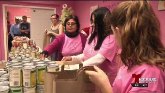 Organización regala cenas a familias necesitadas en Chicago
