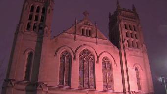 Piden a sacerdote de Chicago que deje el ministro tras acusaciones