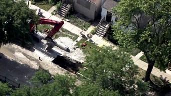 Ruptura de línea de gas causa cierres y evacuaciones al sur de Chicago