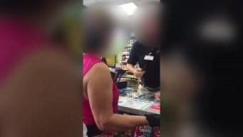 """Naperville: cajero habría dicho """"regresa a tu país"""" a cliente latina"""